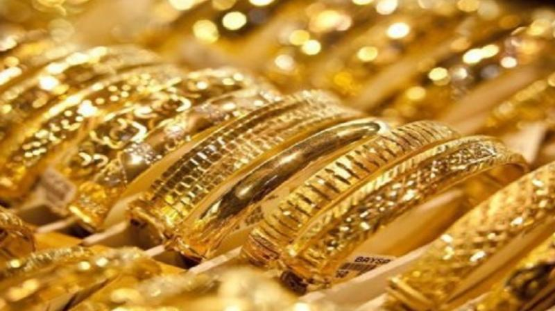 Gold zooms Rs 250 on firm global cues