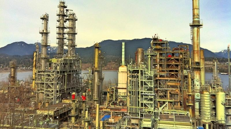 Industrial oils slip on subdued demand