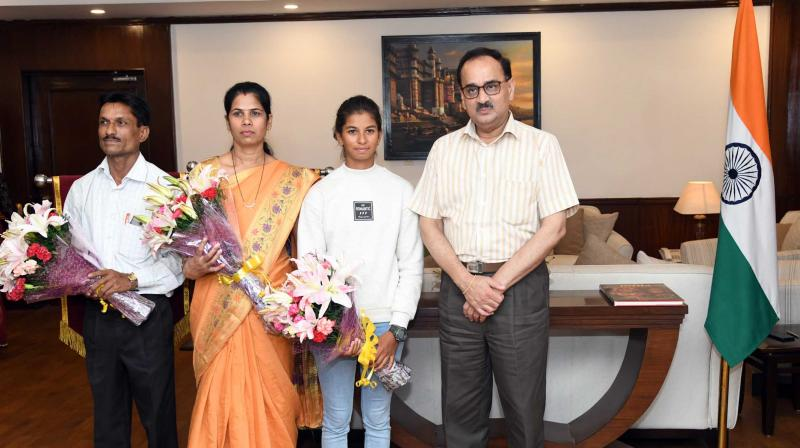 Director Cbi Felicitates Asian Games  Medalist Harshita Tomar