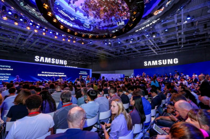 Samsung was launching 5G version of its top-end Galaxy S10 smartphone