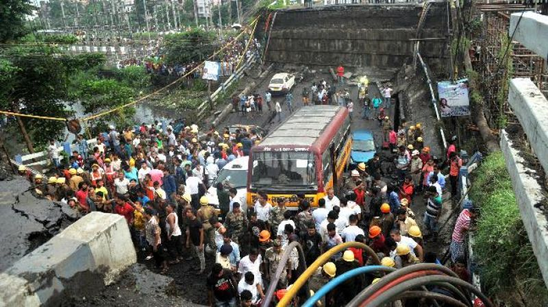 Diversion of traffic owing to the collapse