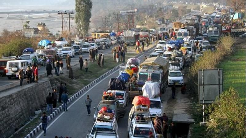 900 vehicles including those carrying passengers got stranded