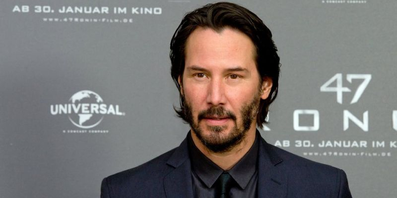 Keanu Reeves recalls shaving his legs for an advt