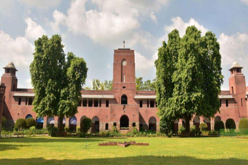 4. St. Stephen's College
