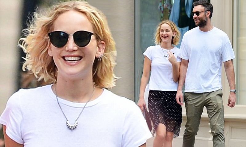 Jennifer Lawrence is officially engaged to Cooke Maroney