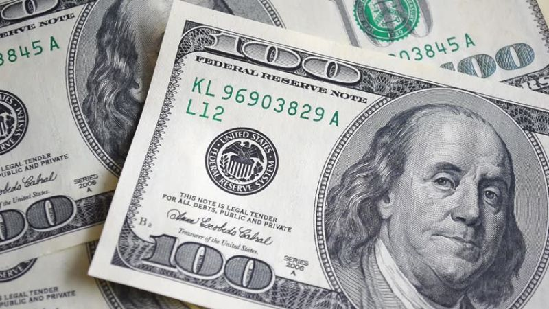 Strengthening American currency
