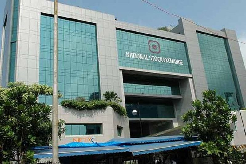 Nifty tops 11,495