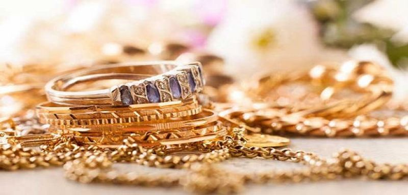 rise in demand from local jewellers led to the uptick in gold prices