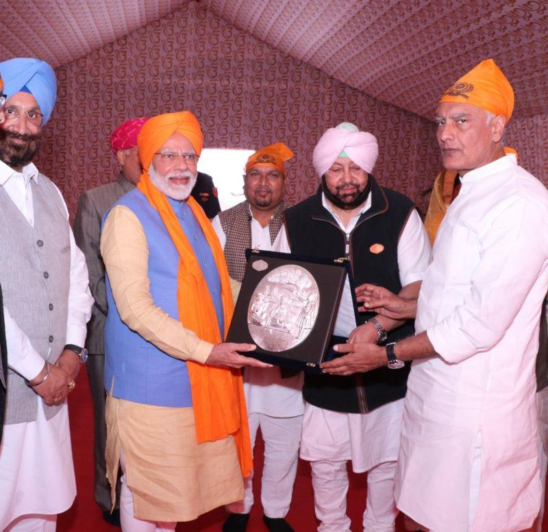 Captain Honour PM Modi