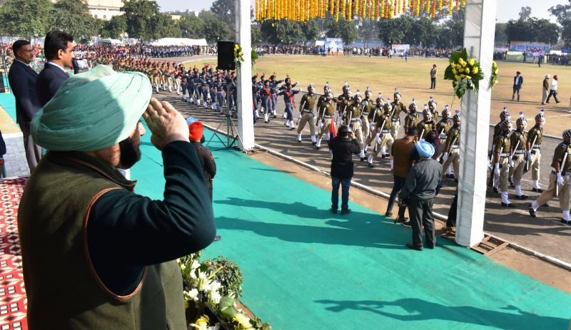 Captain Amarinder Singh and other dignitaries