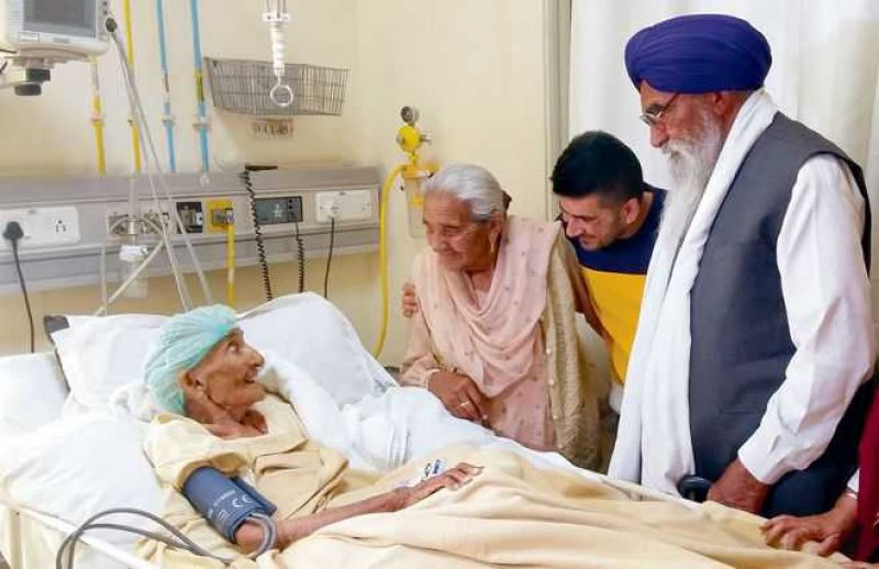 Kartar Kaur Sangha became the oldest person to be operated upon.
