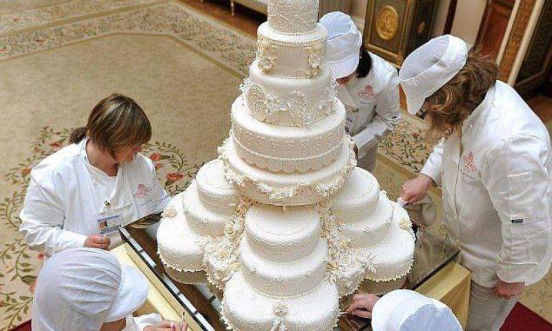 royal wedding cake of prince harry meghan markle prince harry meghan markle